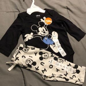 Mickey Mouse outfit for babies 👶🏻
